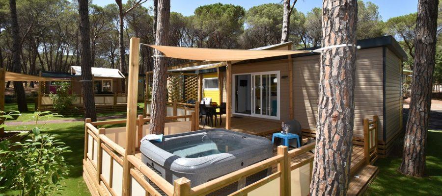 cottage Premium Jacuzzi