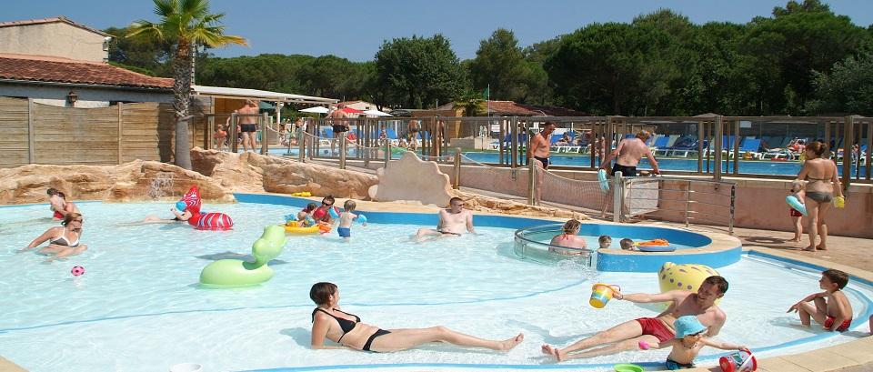 Espace aquatique et piscine camping 5 toiles var la for Camping piscine var