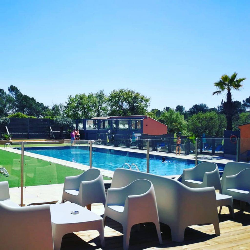 terrasse bord piscine